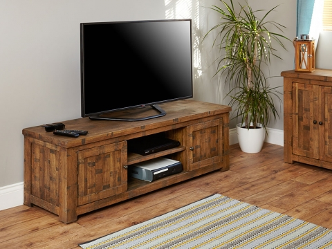 Heyford Oak Widescreen TV Cabinet