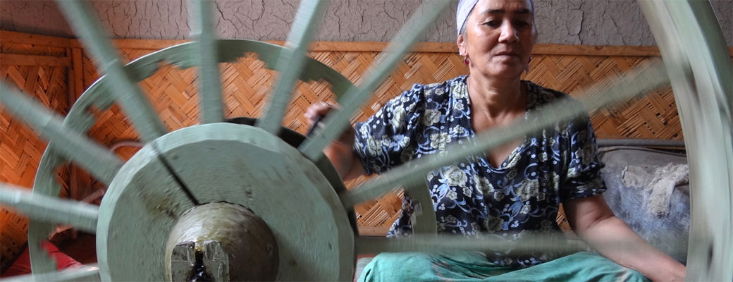 Making the silk thread