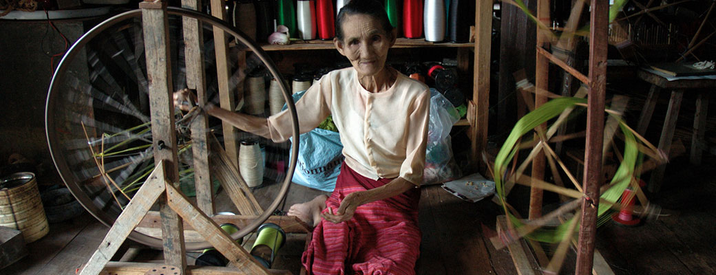 Spinning the silk thread